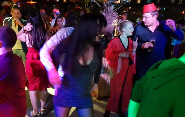 Rojo Video Drive In Show met VJ Rob – Travel Around The World Party Corendon Hotel Amsterdam 10-1-2019